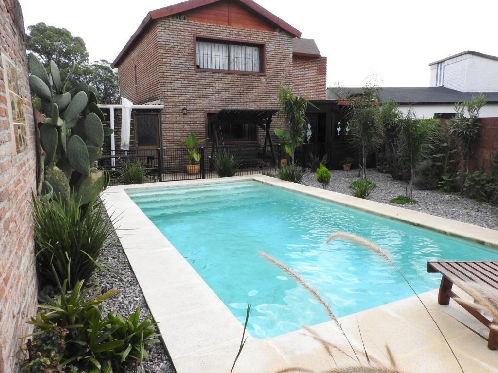 hermosa casa con piscina en solymar sur