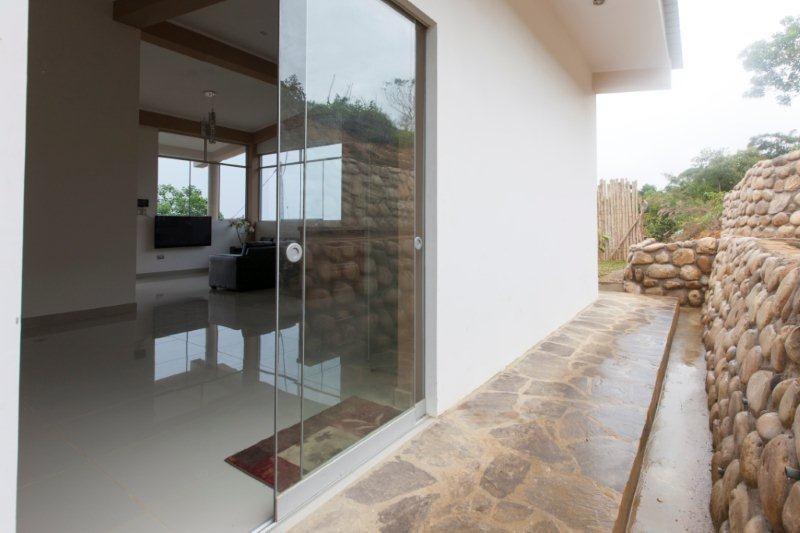 hermosa casa con vista panorámica en lamas