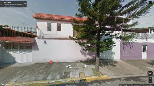 hermosa casa de 2 niveles en remate, solo inversionistas,