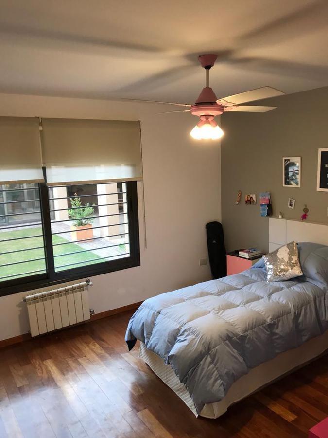 hermosa casa de 3 dormitorios - real calidad. /b.cerrado