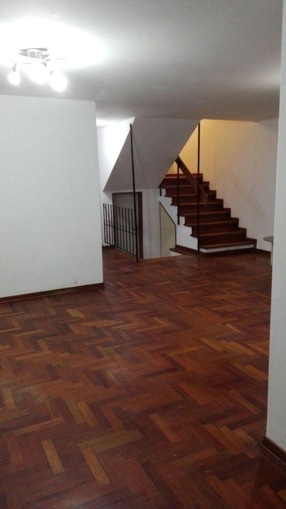 hermosa casa de 3 pisos en zona residencial de san borja