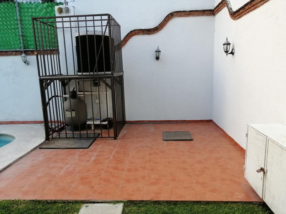 hermosa casa de 3 recamaras 3.5 baños con  alberca