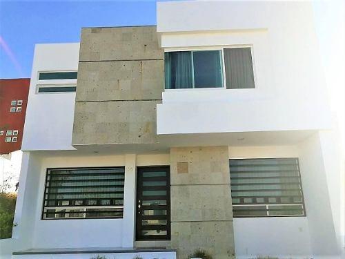 hermosa casa de 3 recamaras en el mirador !!