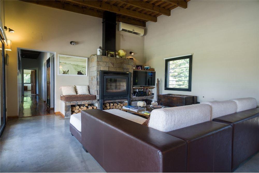 hermosa casa de campo en cañuelas s/lote de 2.4ha