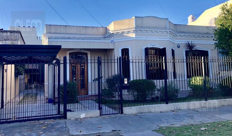 hermosa casa de corte antiguo en lomas