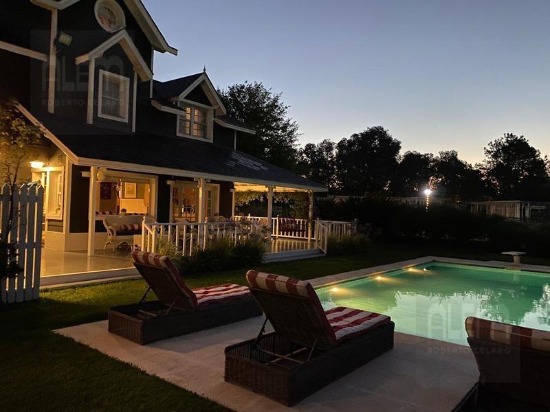 hermosa casa de estilo americano