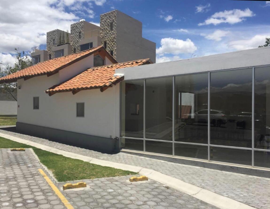 hermosa casa de venta, sector tumbaco, conjunto de 39 casas