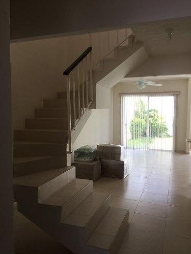 hermosa casa e venta