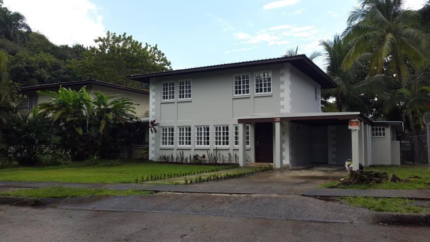 hermosa casa en alquiler en clayton panama cv