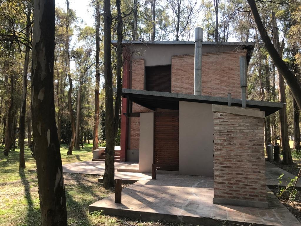 hermosa casa en campo timbo