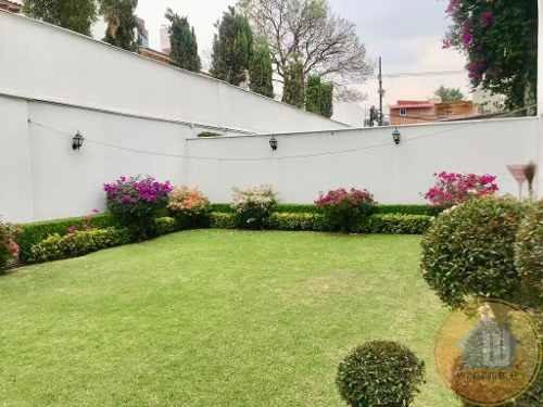hermosa casa en condominio, con jardín privado, florida