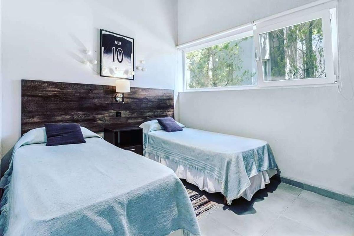 hermosa casa en costa esmeralda de 4 dormitorios
