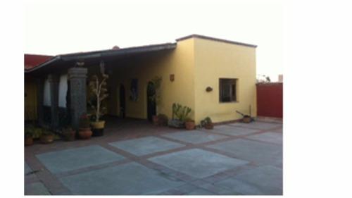 hermosa casa en el centro de qro. ideal para hotel boutique,escuela,oficinas etc.