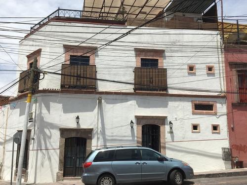 hermosa casa en el centro recien renovada
