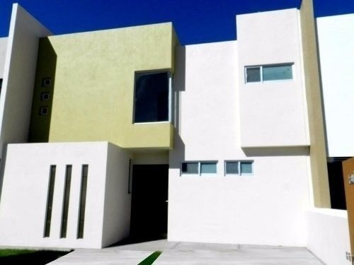hermosa casa en el mirador, 4 recamaras, una en planta baja.