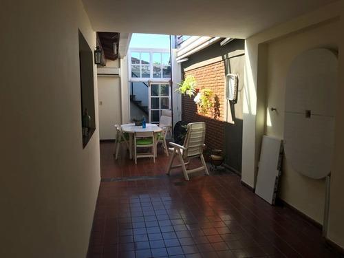 hermosa casa en esquina!!! toda desarrollada en planta baja
