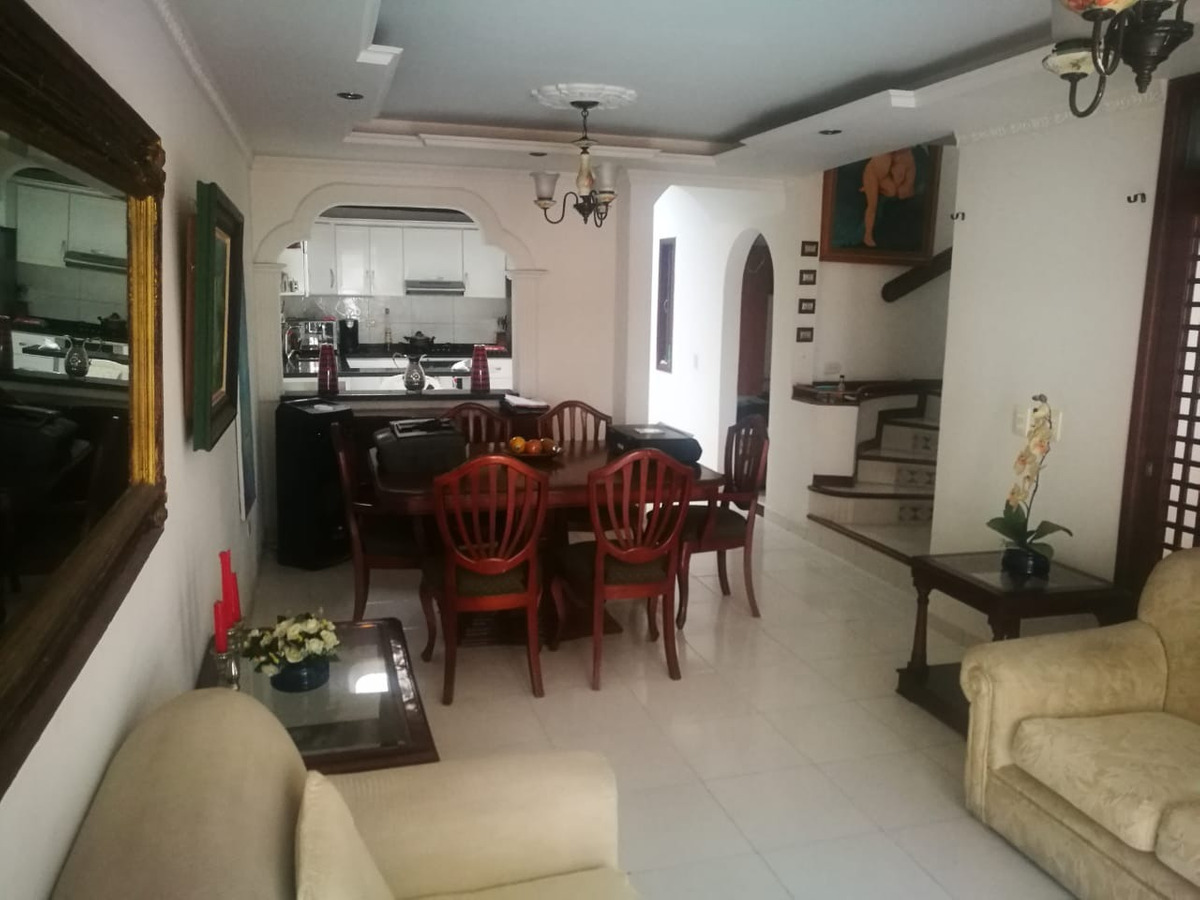 .hermosa casa en exclusivo sector de villavicencio
