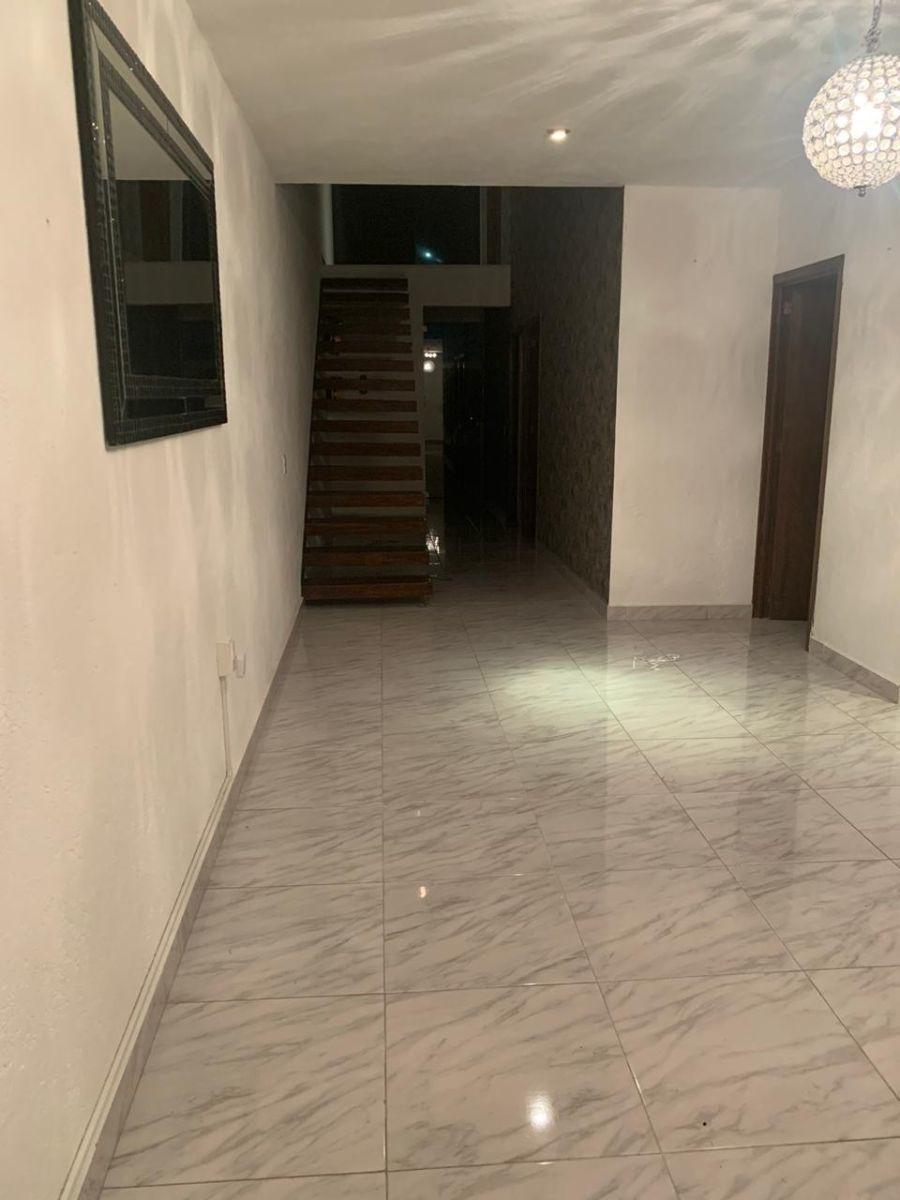 hermosa casa en grand juriquilla, 3 recamaras, 2.5 baños, t.194 m2, alberca