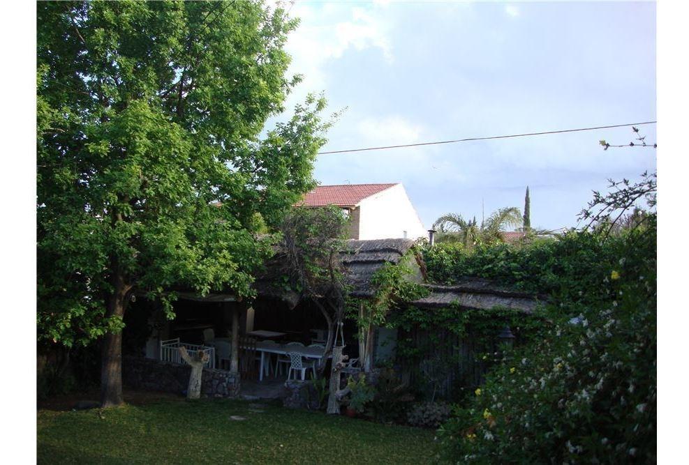 hermosa casa en inmejorable zona de barrio dalvian