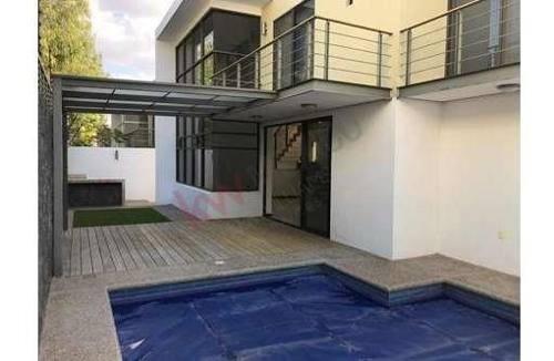 hermosa casa en juriquilla en venta