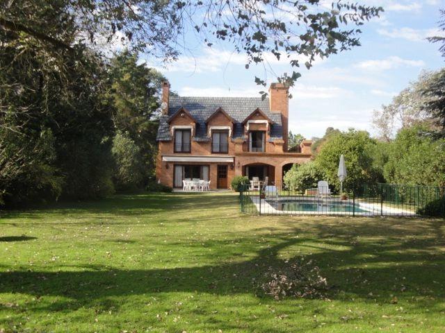 hermosa casa en las praderas!! no te la pierdas!!