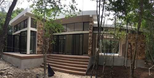 hermosa casa en medio de la selva de tulum