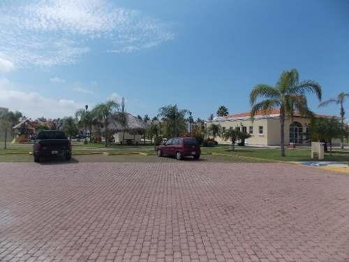 hermosa casa en renta en villa marina