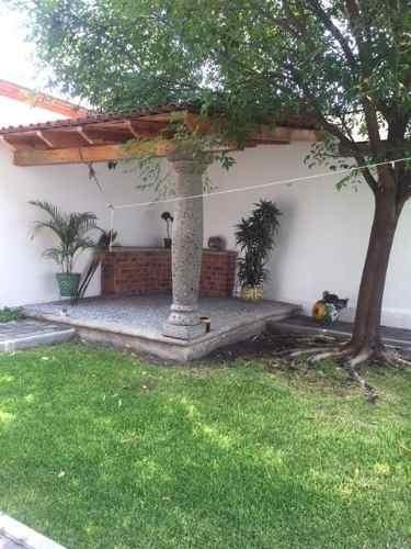 hermosa casa en renta semi-amueblada o amueblada en villas del meson juriquilla