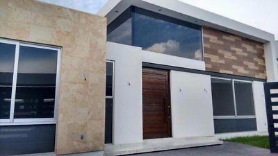 hermosa casa en residencial soberna