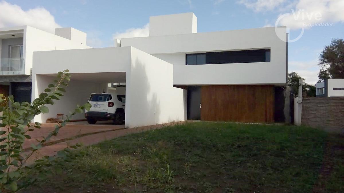 hermosa casa en santina norte!!!!!! valle escondido