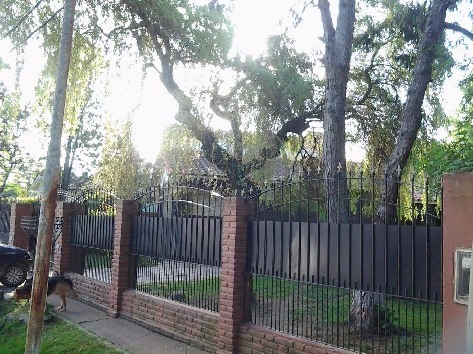 hermosa casa en venta barrio san ignacio. san miguel.