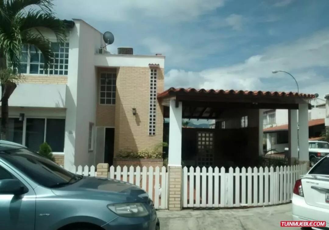 hermosa casa en venta, castillejo, la abadia (en esquina)