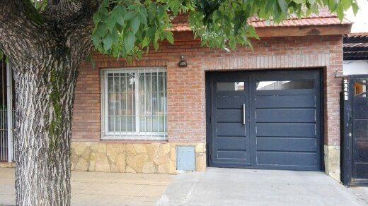 hermosa casa en venta, céntrica, san miguel.