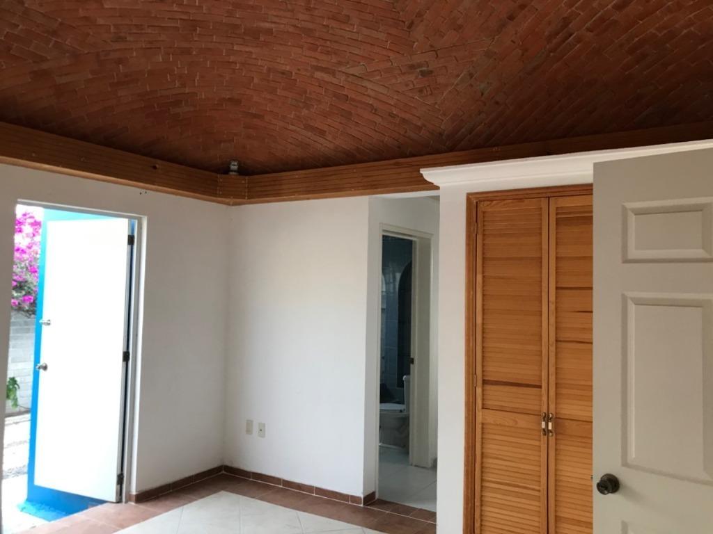 hermosa  casa en venta con amplios espacios en el refugio
