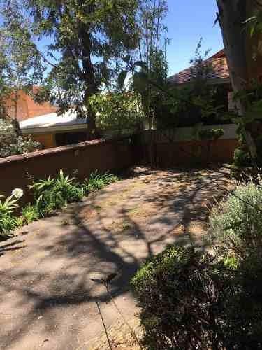 hermosa casa en venta con jardín, bosque de las lomas, bosque de ombúes