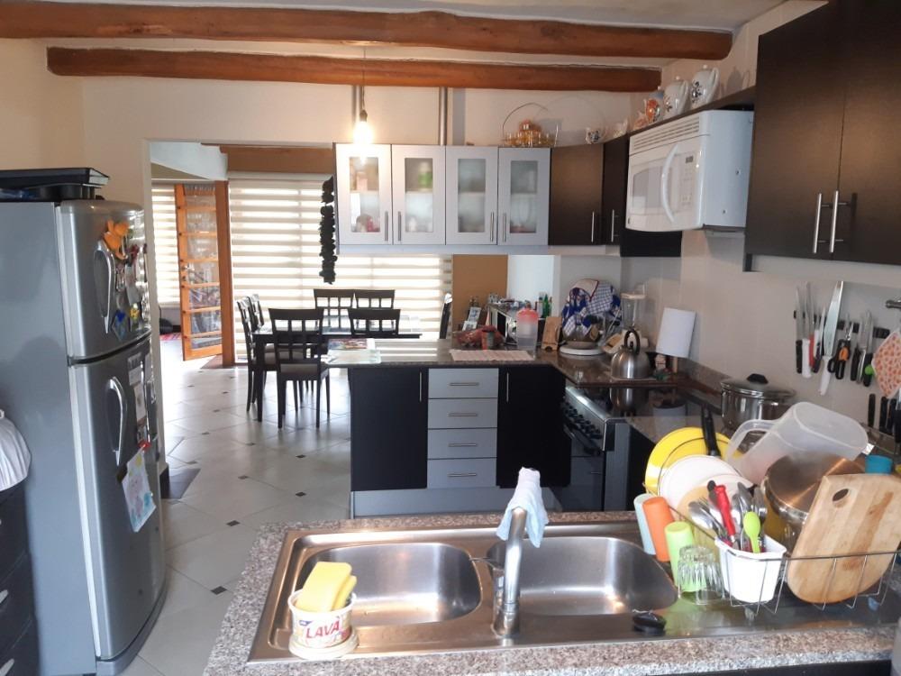 hermosa casa en venta conocoto 3 dormitorios + estudio
