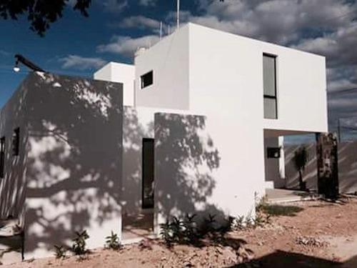 hermosa casa en venta en cholul de buena ubicación