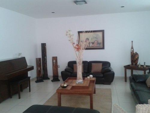 hermosa casa en venta en clasutros de santiago en qro. mex.