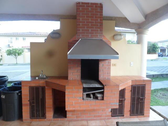 hermosa casa en venta en condado del rey panama