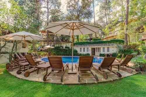 hermosa casa en venta en condominio, avándaro valle de bravo