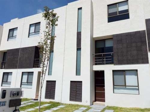 hermosa casa en venta en el mirador en privada con alberca !!