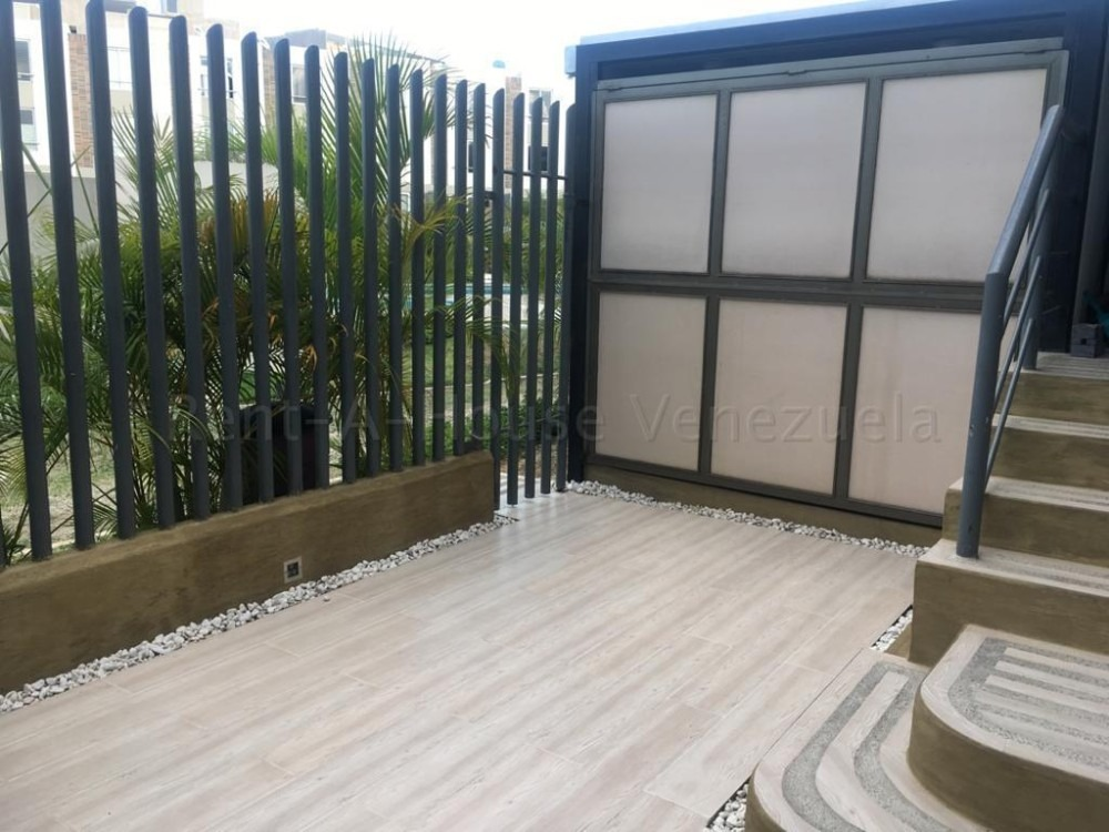 hermosa casa en venta en este de barquisimeto #20-7659