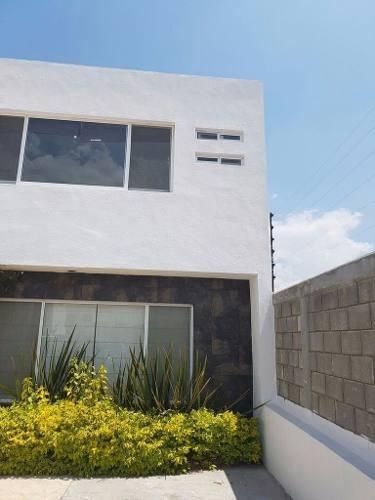 hermosa casa en venta en fracc hacienda santa fe juriquilla qro.mex .