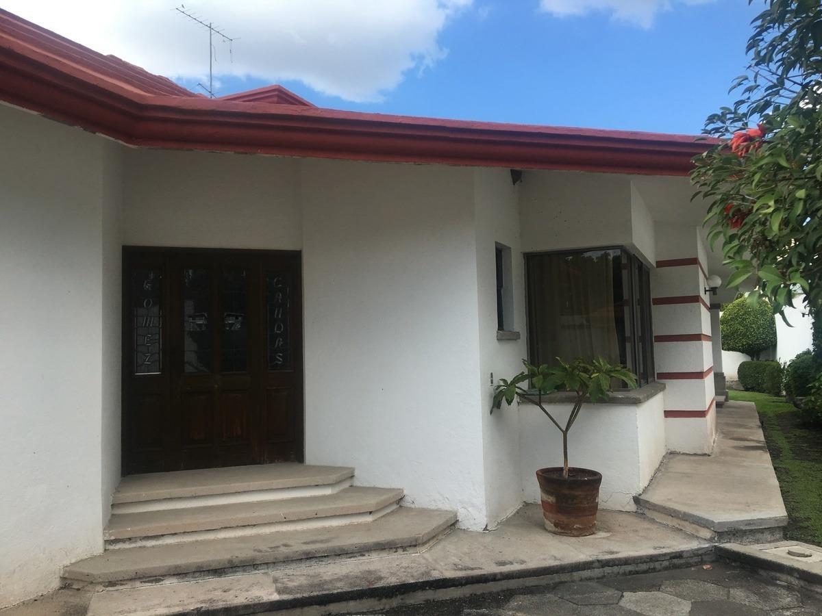 hermosa casa en venta en jurica