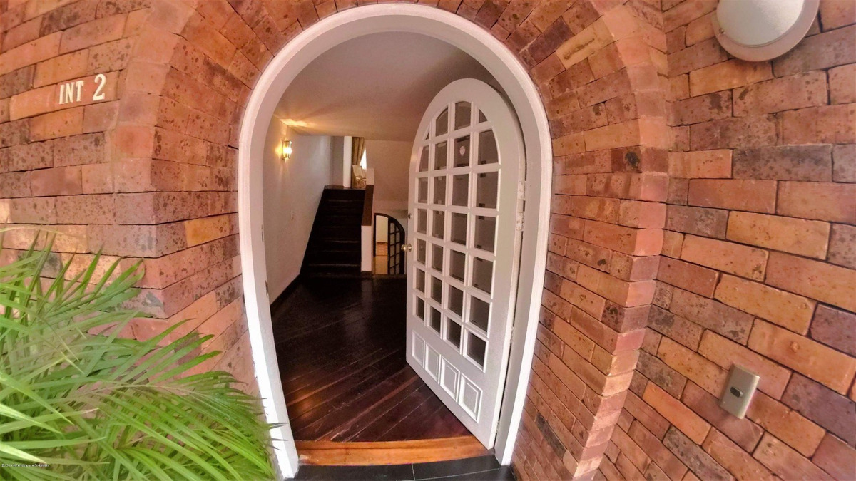 hermosa casa en venta en la calleja mls 20-531