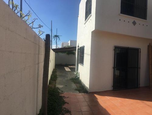 hermosa casa en venta en la colonia montes de amé
