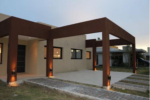 hermosa casa en venta en la horqueta de echeverria