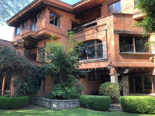 hermosa casa en venta en las águilas