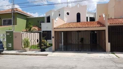 hermosa casa en venta en montealbán