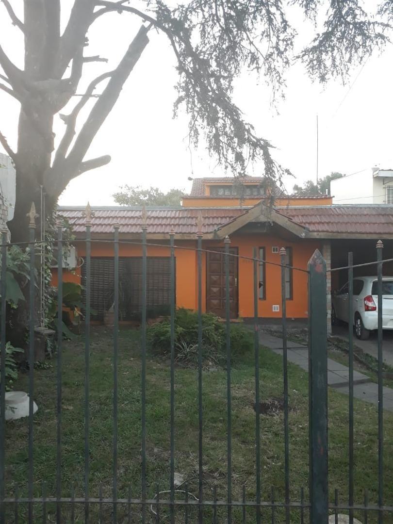 hermosa casa en venta en moreno norte. a mts de autopista